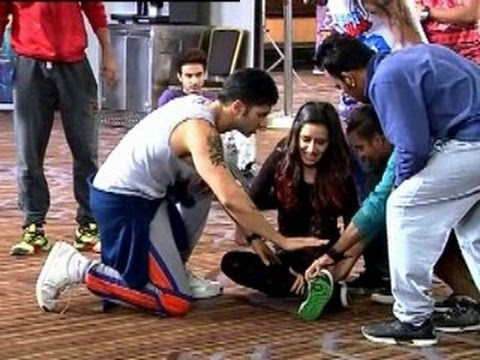 Shraddha Kapoor fell down while shooting song on ABCD 2