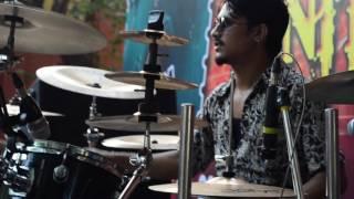 Download Hindi Video Songs - FAKIRA Live soundcheck, bunty da's drumming