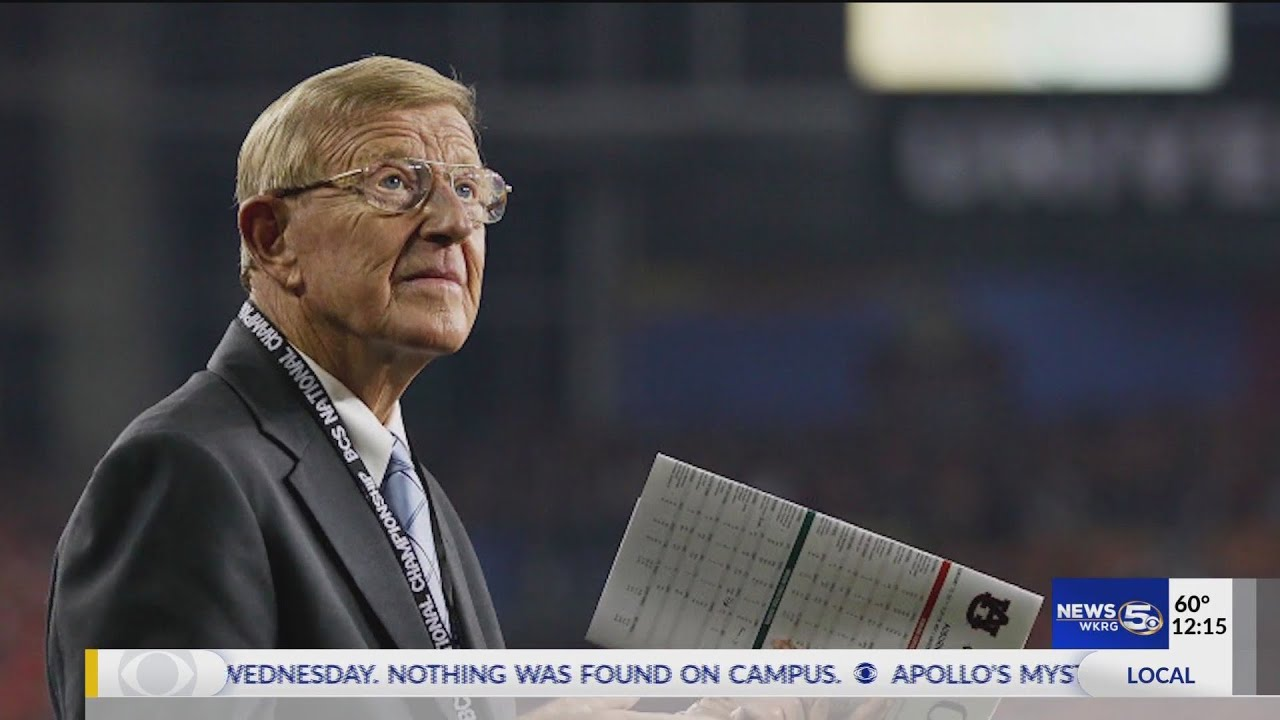 Former football coach Lou Holtz receives Presidential Medal of ...