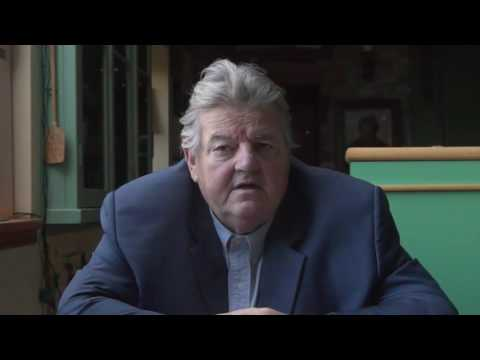 Robbie Coltrane accepts Great Scot Charity Award