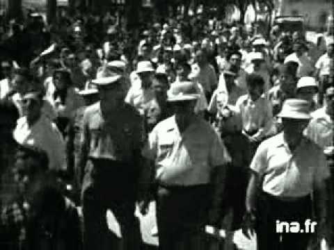 INA PROCESSION DE LA VIERGE DANS LES RUES D ARZEW 31 08 1950