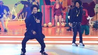 Les Twins dão show de dança no palco do Legendários.