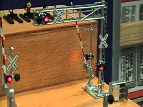 Model railroad train signals and crossings - YouTube