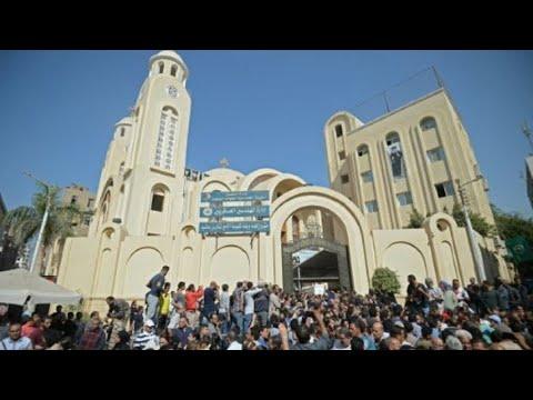 مصر: إحباط اعتداء على كنيسة قبل احتفالات الأقباط يودي بحياة ضابط شرطة