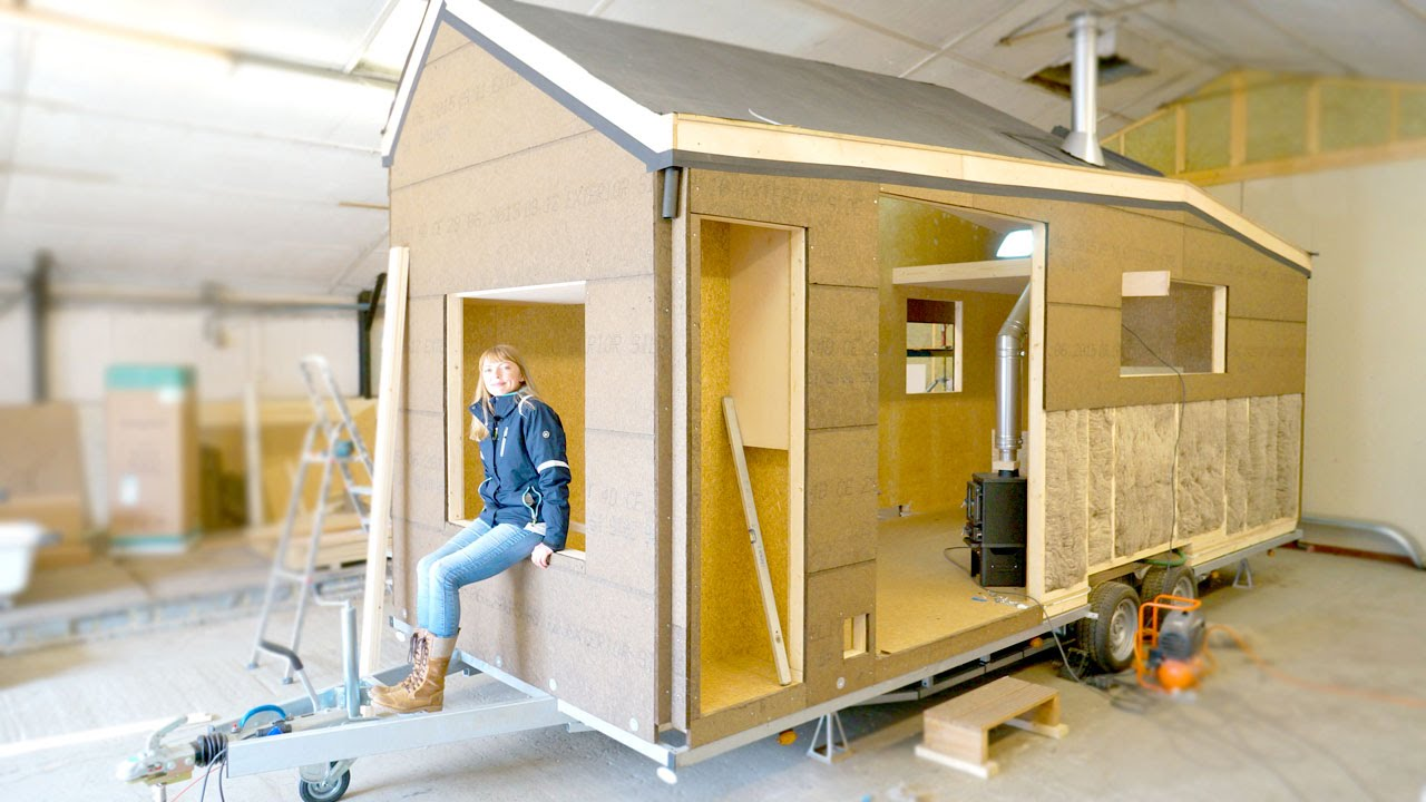 Building a Modern Tiny House for Off the grid Living Eco friendly