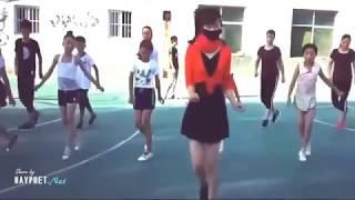 Cô giáo xinh xắn nhảy Shuffle cùng học trò cực đẹp P.2