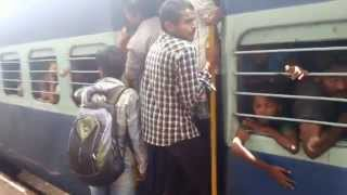 crowded Voters rushing to Andhra pradesh from Hyd 6/5/2014 on janmabhumi express scene at Guntur