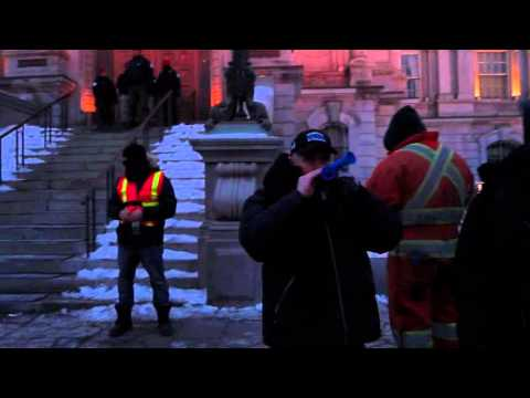 Montreal City Workers Barbecue Protest At City Hall 00006