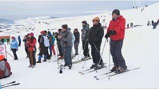 Кыргызстан – второй Куршевель? (новости)(http://ntdtv.ru/ Кыргызстан – второй Куршевель? Санки, лыжи, сноуборды – обычный зимний отдых. Правда, само место..., 2015-03-13T13:14:32.000Z)
