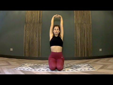 Cours de Yoga Vinyasa<br>par Rola Fort<br>Durée : 32 minutes