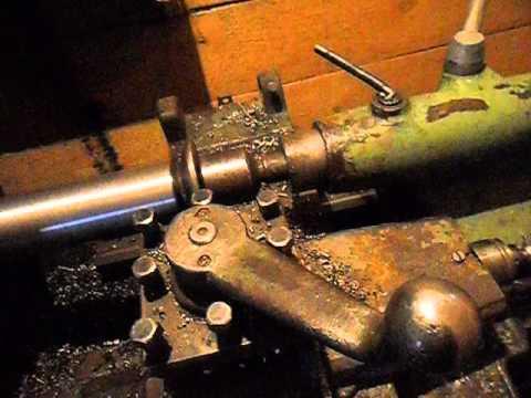 Нарезаем резьбу на токарном станке 1М61 . 1