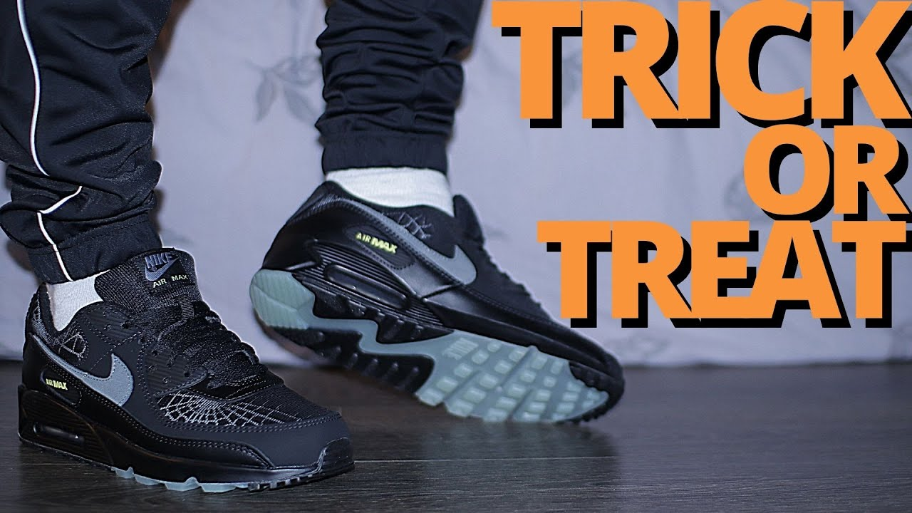 THEY GLOW!? Nike AIR MAX 90