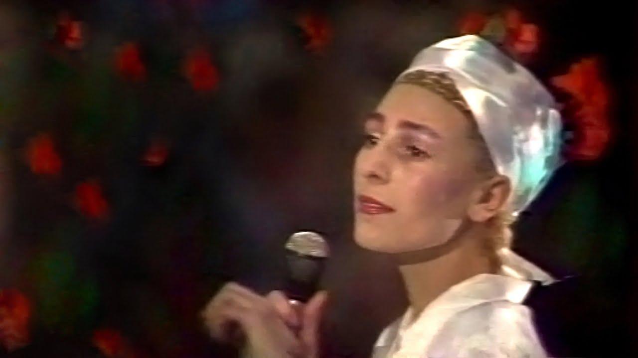 """Жанна Агузарова - Звезда (""""Музыкальный ринг"""" 1989) - YouTube"""
