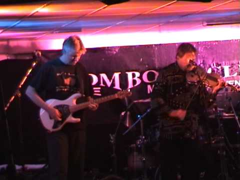 It's A Beautiful Day - Bombay Calling outro at Boom Boom Club/Sutton Utd FC 17/6/11