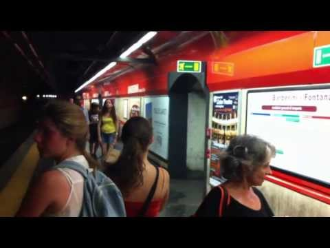 Italia, Roma, Barberini - Fontana di Trevi (Rome Metro), 27 JUL 2012