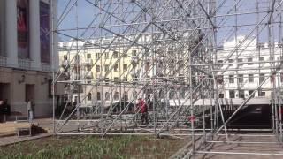 В Казани на пл. Свободы устанавливают трибуну и сцену к 9 мая