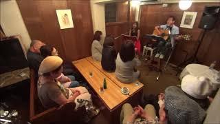 ライブ動画。 大塚博堂さんの『めぐり逢い紡いで』をライブで唄わせて頂...