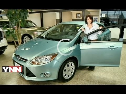 2012 Ford Focus Se Expert Car Review By Lauren Fix