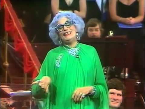 Dame Edna Everage: The Last Night of the Poms