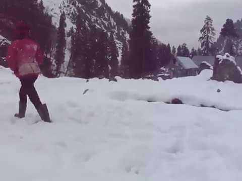 Fun In The Snow At 5 Degrees Fahrenheit Minus 15 Degrees Celsiusjammu Kashmir