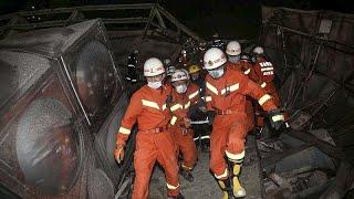 Китай: из-под завалов рухнувшего отеля вытащили десятки человек …