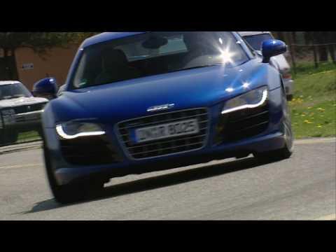 auto motor und sport-TV: Audi R8 V10 vs Porsche 911