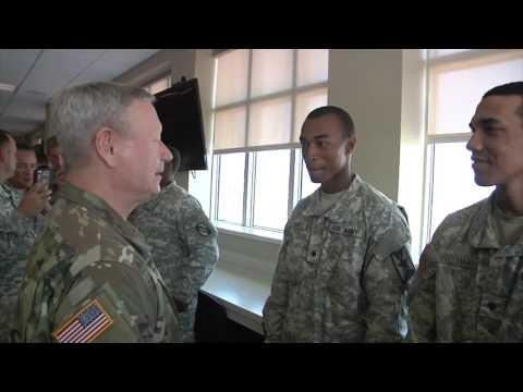 NGB Chief meets Mississippi and Kansas Guardsmen at Fort Hood.
