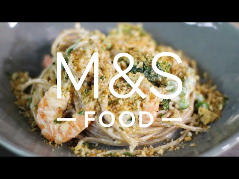 Chris' crunchy creamy garlic prawn pasta | M&S FOOD
