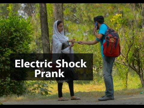 Prank At Hazara University | Shocking Pen | Chottou Ki Vines
