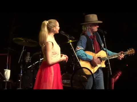 Yodel - Jewel and her Father Sing @ Westbury NYCB Theatre Live 12-20-17