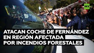 Atacan con patadas y piedras la camioneta de Alberto Fernández en Chubut