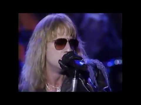 "Great White ""House Of Broken Love"" Live on AMA 1990, Alice Cooper Introduces"