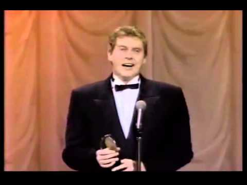 Michael Crawford wins 1988 Tony Award for Best Actor in a Musical