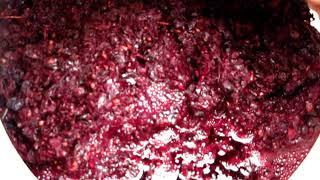 Сливаем сусло из мезги Каберне Совиньон. Красное вино 2017