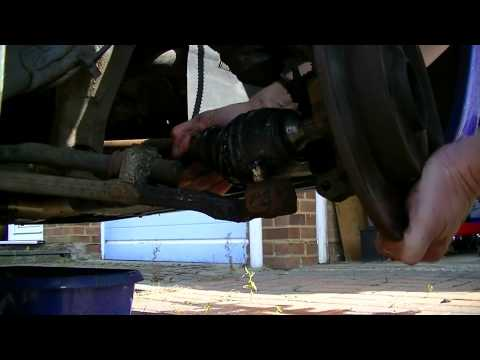 How to replace Citroen Saxo drive shaft CV gaiter boot