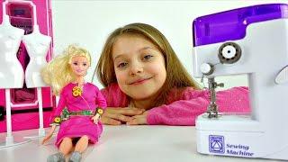 БАРБИ: Показ мод. Игры для девочек - Одевалки. Шьем одежду для Куклы