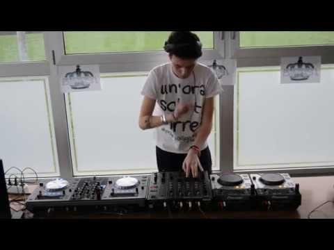 DJ EFBI Mix - Pioneer 2 CDJ 400, DJM 500, XDJ-R1 (EFBI MIX #2)
