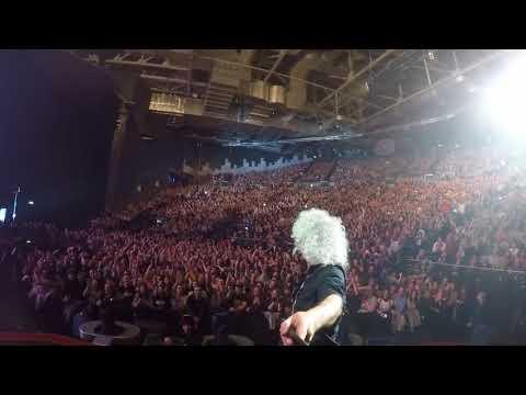 Selfie Stick Video | Dublin, Ireland [November 25, 2017] Queen + Adam Lambert