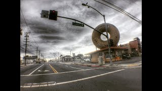 Русский в гетто. Лос-Анджелес. Комптон. Башни Уоттс. LA river. Kindle's Donuts.