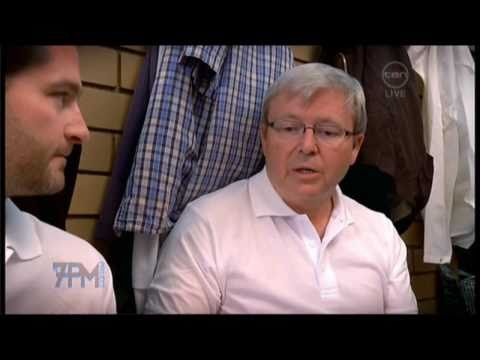 Kevin Rudd vs Julie Bishop lawn bowls face-off - T...