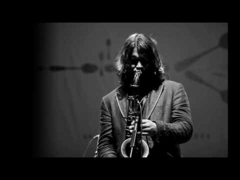 Ilhan Ersahin ''Wonderland''   Jazzmix Festival a Istanbul Live 2010