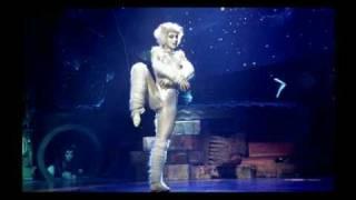 Gatta Bianca...Victoria the white cat from CATS!