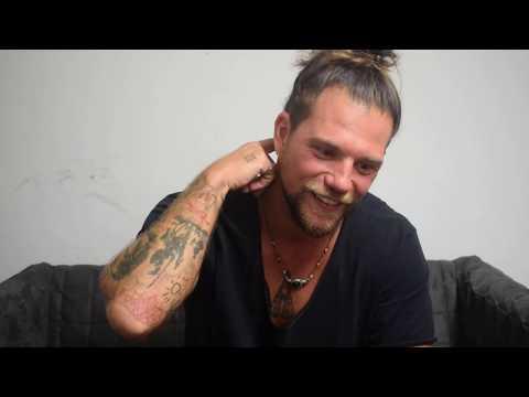 """Enrico Nigiotti: """"Nel nuovo disco sonorità inedite e testi forti"""" (Video)"""