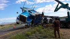 DAS car hauler flipped over in Arizona