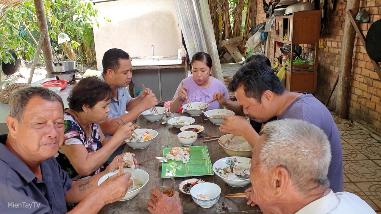 Co Mực Ngon Nen Vợ Minh Nấu Hủ Tiếu Mực Thịt Bằm Miền Tay Tv Youtube