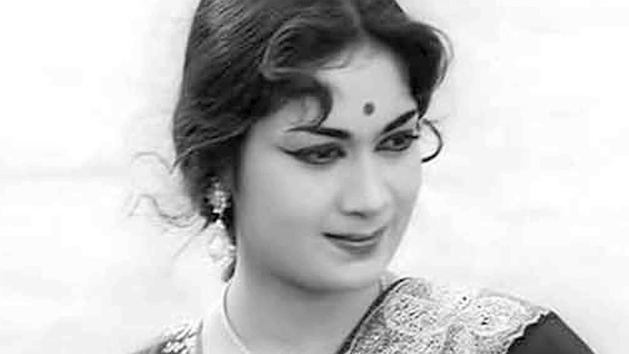 Actress Savithri Talked With Gemini Ganesan And Made Him To Act In
