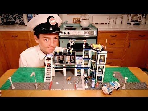 Lego city politistasjon 7498  Lage bod under trapp