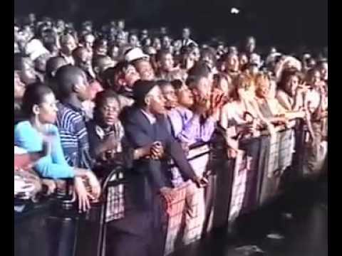 Concert de Papa Wemba et les Fioti Fioti au Zenith de Paris