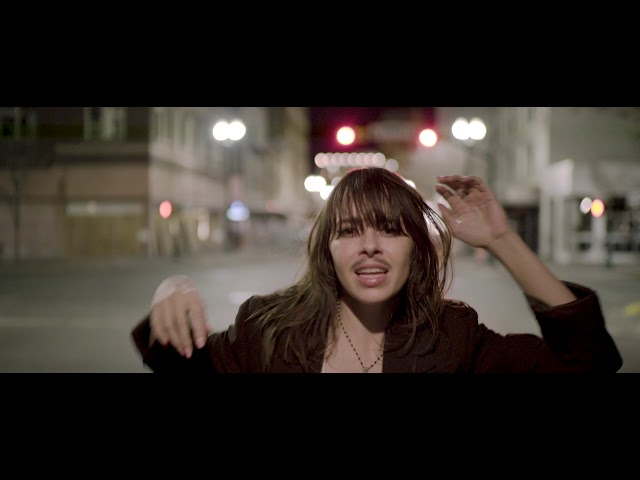 Le Butcherettes - DON'T BLEED YOU'RE IN THE MIDDLE OF THE FOREST