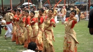 Bihu dance is the most popular folk dance of Assam - বিহু নৃত্য